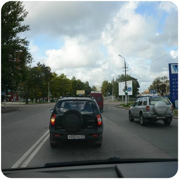 Левый поворот на ул. Приморская