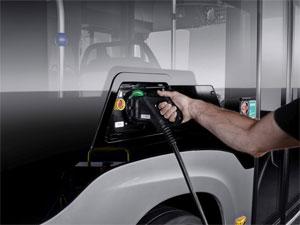 Der Elektro-Bus eCitaro beim Aufladen Copyright Daimler AG