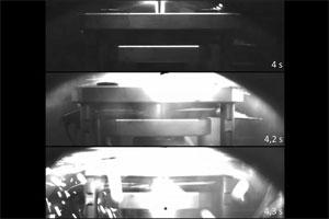Reaktionsaufnahmen einer Batteriezelle infolge eines Nail‐Penetration‐Tests. Bild: Stefan Doose/Institut für Partikeltechnik