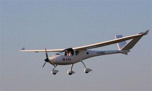 Yuneec E43, das erste in Europa zugelassene zweisitzige Elektromotor-Flugzeug