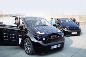 . Der Sono Sion bei einer Testfahrt in Turin. Mehr als 10.000 Menschen haben das  Elektro-Auto bereits Probe gefahren.
