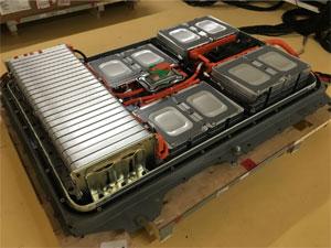 Nissan arbeitet an der Wiederverwertung und Aufbereitung von Hochvolt-Akkus (Second Life)