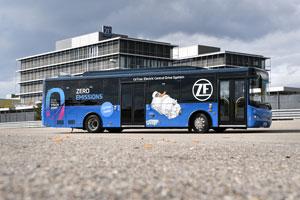 Elektrobus CeTrax von ZF mit Zentralantrieb