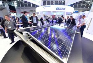 Der Aufschwung der Photovoltaik in Europa hängt mit verschiedenen Faktoren zusammen. Die Intersolar Europe ist der ideale Treffpunkt, die neuen Synergieeffekte auf den Märkten zu diskutieren und weiterzuentwickeln.