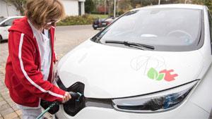 Die Studie zeigt, dass gewerbliche Fahrzeugflotten prädestiniert sind, wenn es um die Verbreitung der Elektromobilität und das Gewinnen praktischer Erfahrungen geht