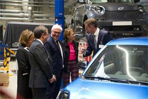 Bundespräsident Steinmeier besichtigt die Anlauffabrik für das Elektro-Stadtauto e.GO Life in Aachen