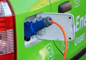 Künftig wird es möglich sein, dass alle Elektro-Fahrzeuge an den Ladesäulen der Stadtwerke Düsseldorf aufgeladen werden können (Roaming) und dass die Inhaber der E-Mobil-Tankkarte der Stadtwerke Düsseldorf deutschland- und europaweit mit dieser Karte lade