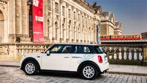 Durch die Bündelung wollen die Partner auch die Elektromobilität vorantreiben, indem sie elektrifizierte CarSharing-Fahrzeuge und den einfachen Zugang zu Lade- und Parkmöglichkeiten anbieten