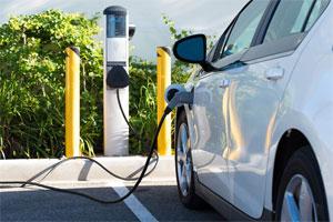 Der BDEW fordert unter anderem einen zügigen und unbürokratischen Aufbau öffentlich zugänglicher Ladeinfrastruktur für die Elektromobilität. Bild: BMWi