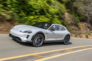 Porsche hat sich für die Serienfertigung des Elektro-Sportwagens Mission E Cross Turismo entschieden