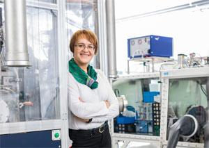 """Dina Fattakhova-Rohlfing: """"Wir hoffen, dass unsere Entwicklung … den Weg zu Lithium-Ionen-Batterien mit einer deutlich erhöhten Energiedichte und sehr kurzer Ladezeit ebnet."""""""