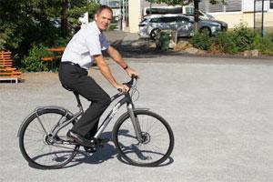 Der Fahrradsattel wird an die persönliche Anatomie und individuelle Wünsche angepasst.