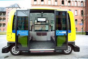 Hightech im Kleinformat: Einer der vier elektrisch angetriebenen, autonomen Minibusse