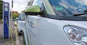 """""""Die verbreitete Reichweitenangst bei Elektroautos ist unbegründet – dies unterstreichen wir mit unserem flächendeckenden E-Ladenetz"""", betont Verkehrsminister Winfried Hermann"""