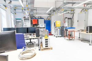 """Blick in das Energiemanagementlabor, Teil der """"elenia energy labs"""". Marisol Glasserman/TU Braunschweig"""