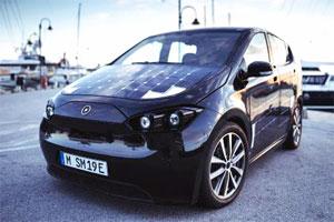 Der Sion ist das erste elektrische Serienfahrzeug, das Solarzellen auf der Karosserie zur Ladung der Batterien verwendet