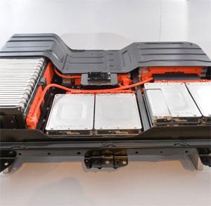 Das Öko-Institut sieht dringenden Regelungsbedarf, um gebrauchte Antriebs-Batterien aus Elektrofahrzeugen als stationäre Batterien etwa zur Speicherung von Solarstrom wiederzuverwenden.