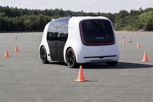 Die Volkswagen-Konzernforschung zeigt das autonome Konzeptfahrzeug SEDRIC beim Future Mobility Day 2018