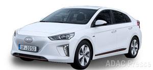 Der Spitzenreiter Hyundai Ioniq Elektro fährt enorm sparsam und begnügt sich bei den ADAC-Messungen mit 14,7 kWh auf 100 Kilometer