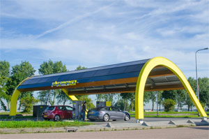 2012 hat Fastned die Konzessionen für den Verkauf von Strom an Elektro-Autos für 201 der insgesamt 245 Raststätten entlang der niederländischen Autobahnen erworben.