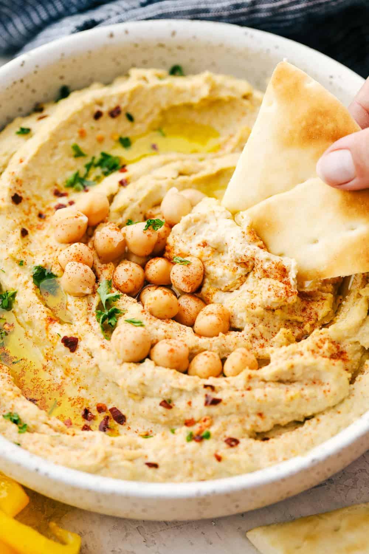 Kichererbsen Hummus mit Tahin/Sesamenpaste.