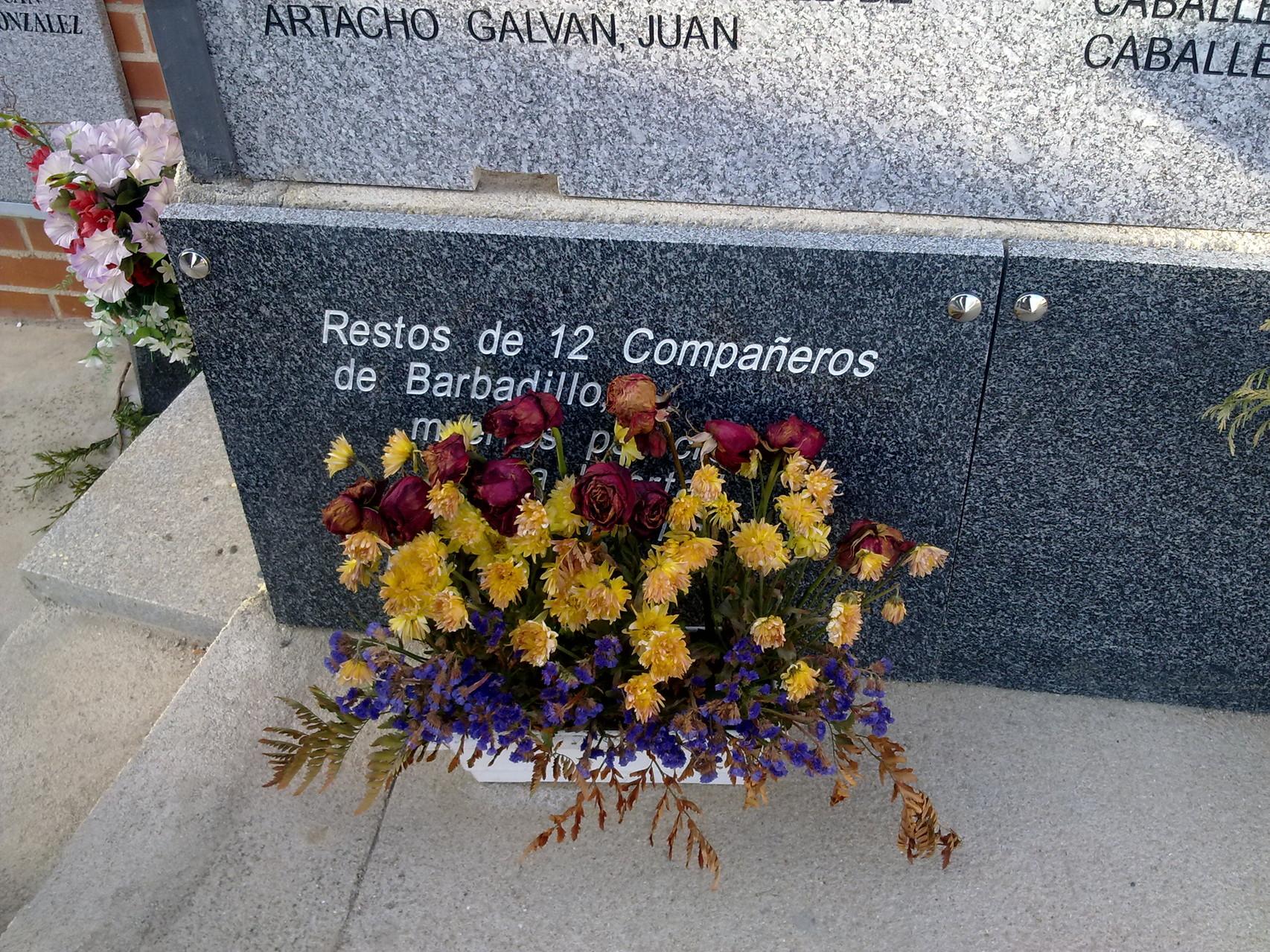 ofrenda floral, cementerio de Salamanca