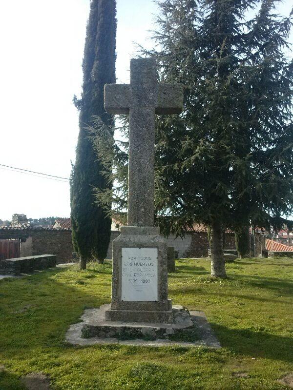 cruz a los caídos, Robleda, foto propia