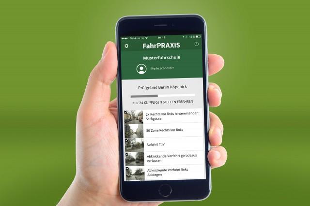 FahrPRAXIS-App auf dem Smartphone