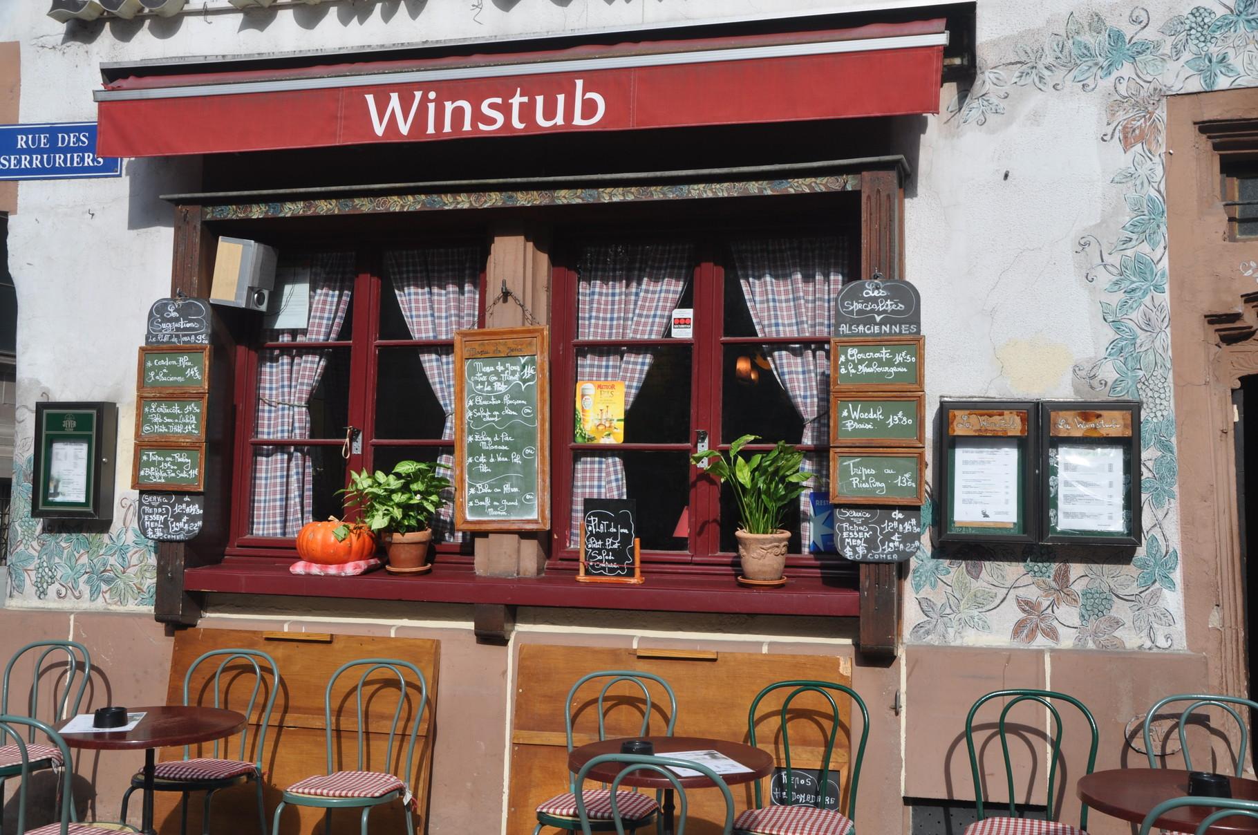 Viele hübsche Straßencafés und Restaurants_Straßburg