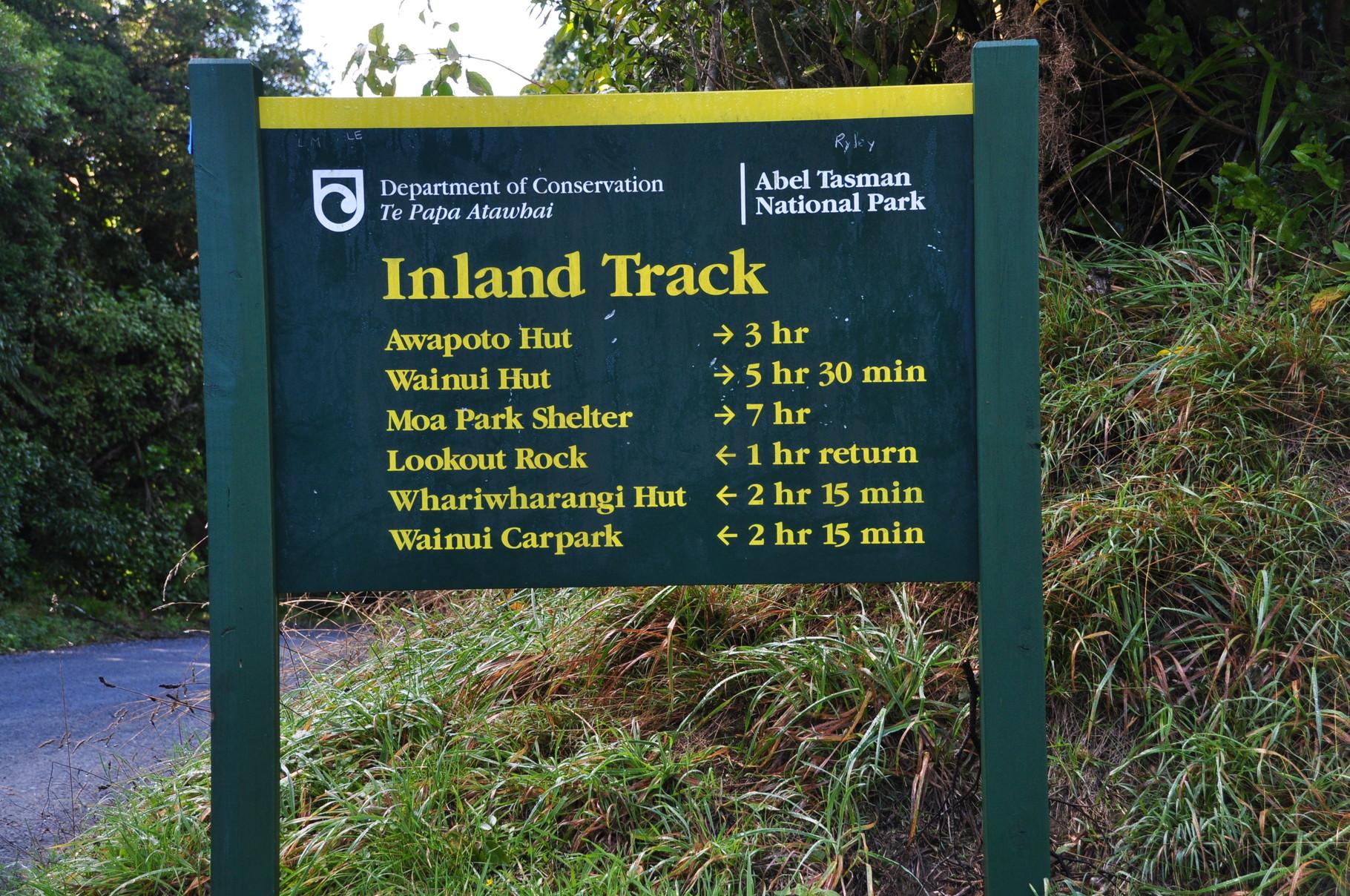 """So sehen die """"Wanderschilder"""" in ganz Neuseeland aus"""