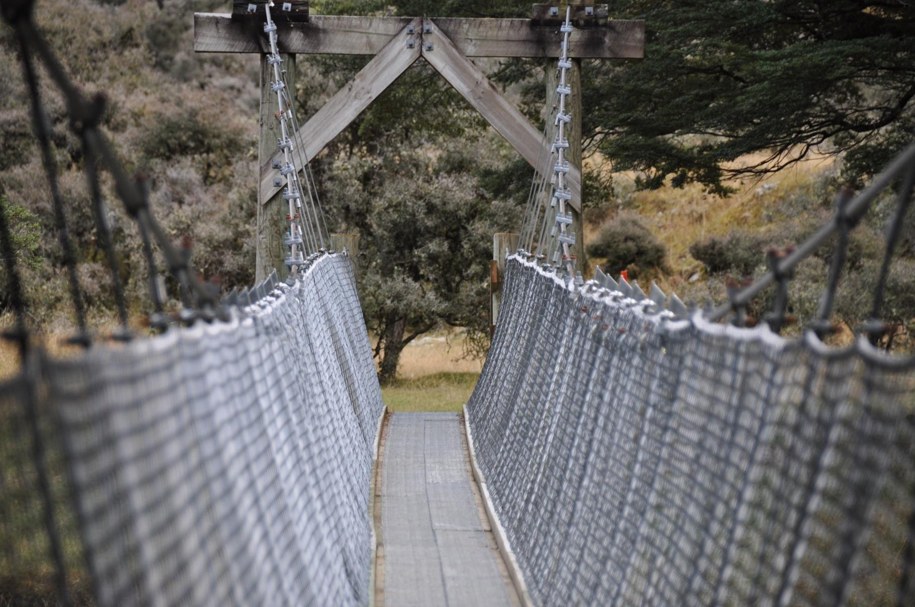 Eine der vielen Hängebrücken