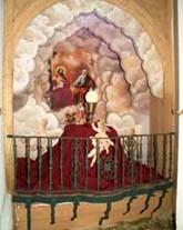 """Detalle del montaje de la exposición """"Gloria"""", año 2004."""