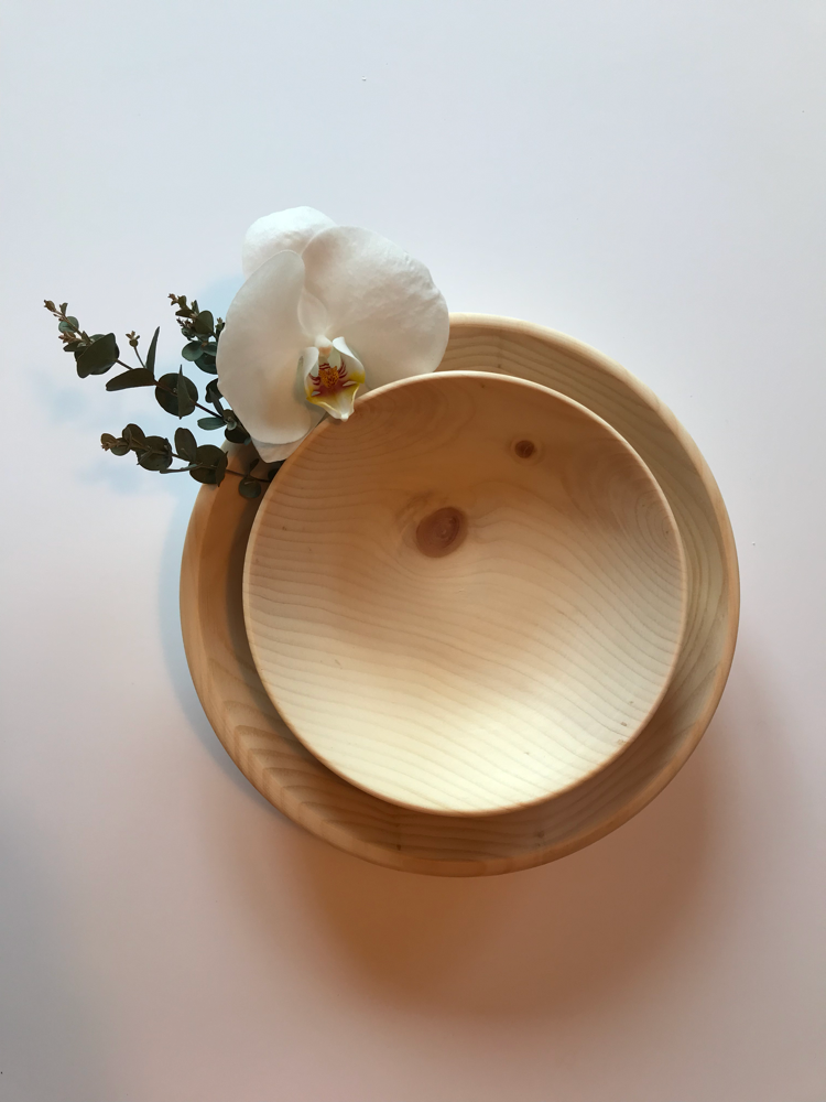 Stone pine wood bowls