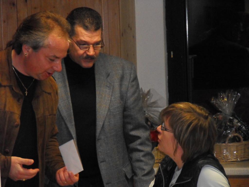 D-Junioren-Trainer Peter Werner, VS-MGL Norbert Simm u. Ute Fleischmann