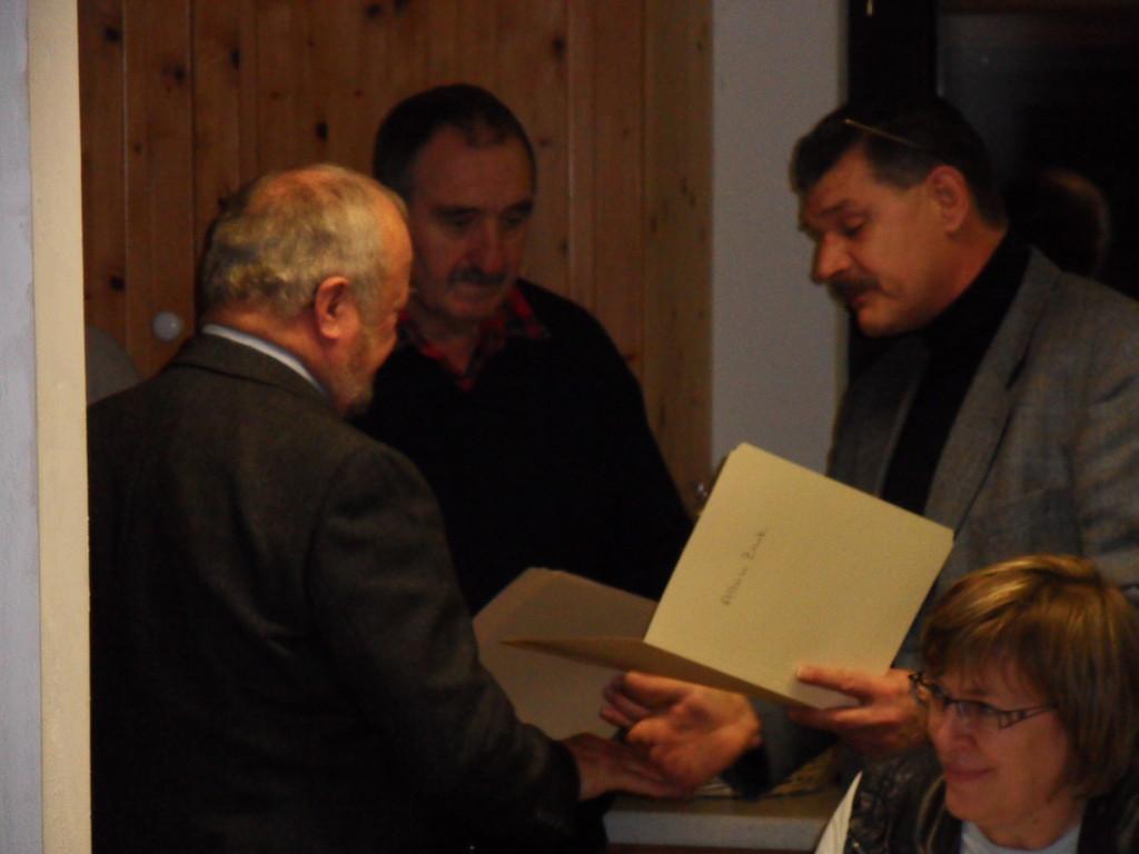 Ehrenmitglied u. VS-MGL Albin Zink u. Klaus Lohrey (beide 60 Jahre MGL) u. VS-MGL Norbert Simm