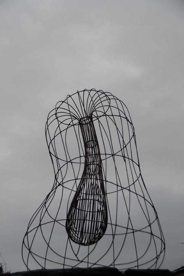 SIN TITULO hierro 1,20x80x65cm