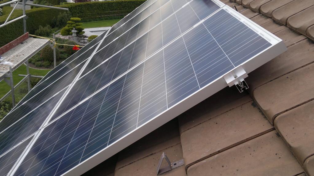 PV-Anlage 6kw in Sargans. Modul: 230 Yingli Unterbau: Top-Fix100 zweilagig