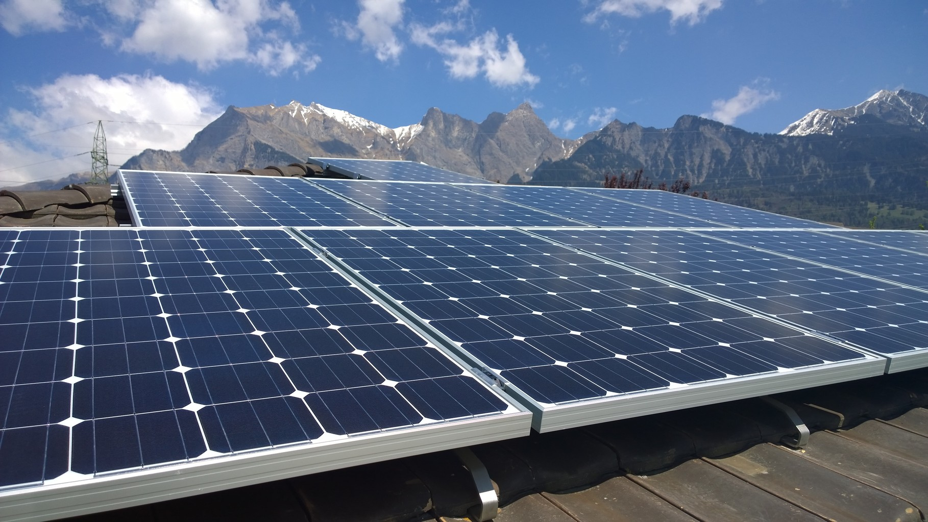 PV-Anlage 9kw in Bad Ragaz. Modul: Yingli Panda 275 Monosol Unterbau: IBC Top-Fix 200
