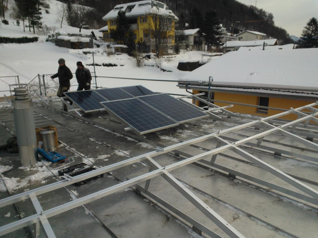 PV-Anlage 8kw in Heiligkreuz. Modul: 235DS Unterbau: Top-Fix 100 Aufständerung