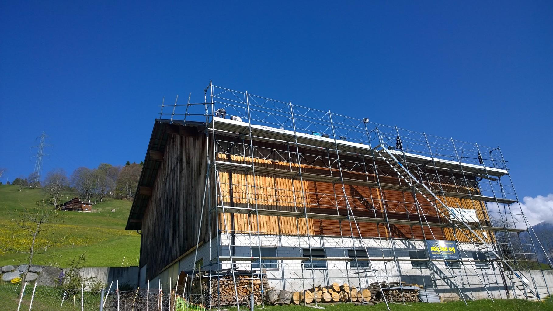 PV-Anlage 29.9kw in Flumserberg. Modul: Yingli Panda 275 Monosol Unterbau: IBC Top-Fix 200 zweilagig