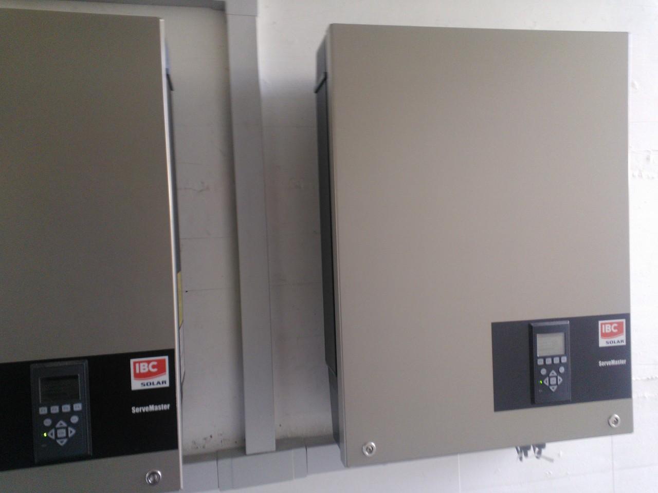 zwei mal 8kw Wechselrichter Servemaster 8000TL-pro in Mels
