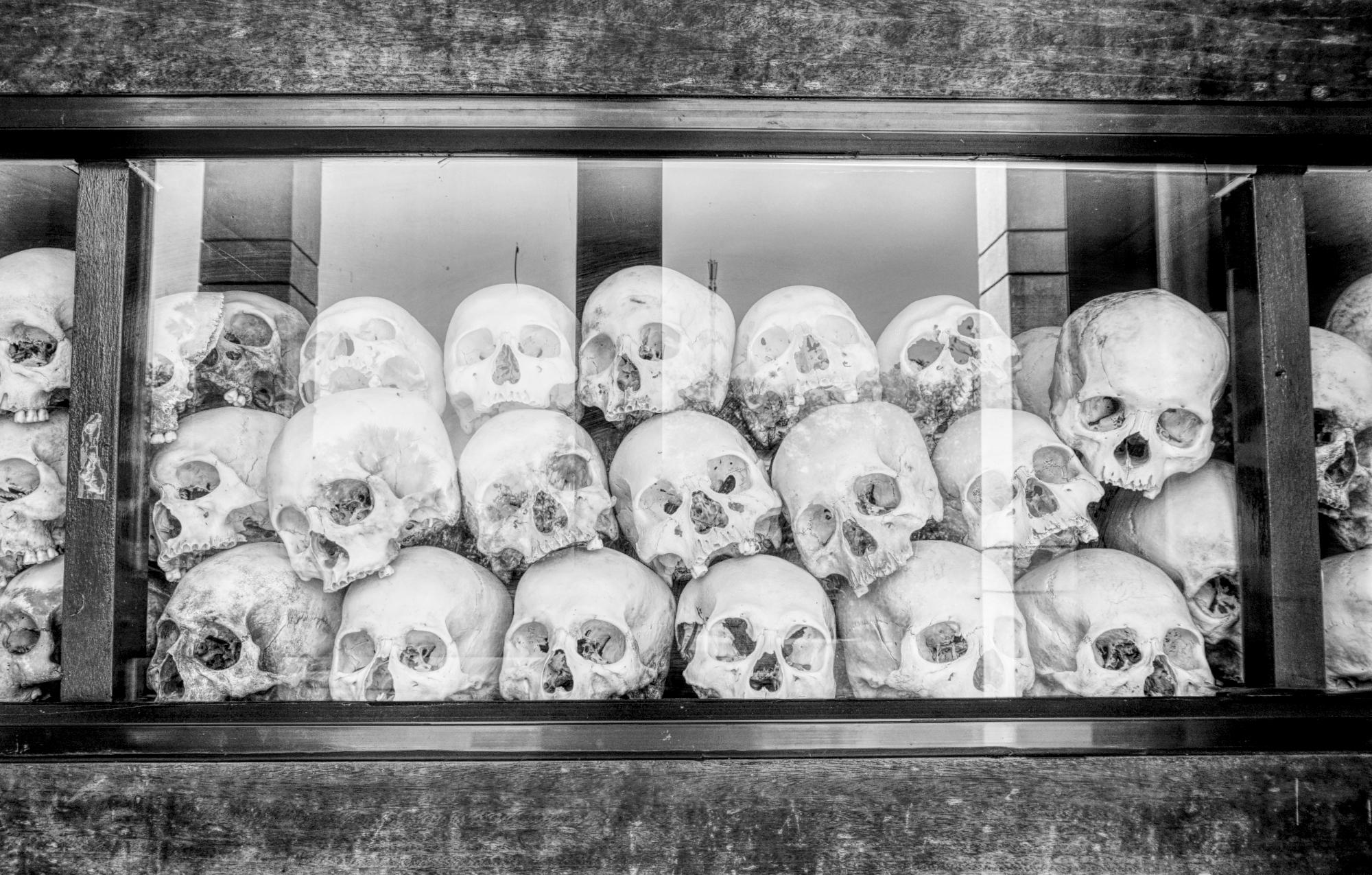 In einer Stupa bei den Killig Fields werden tausende Schädel von Opfern aufbewahrt
