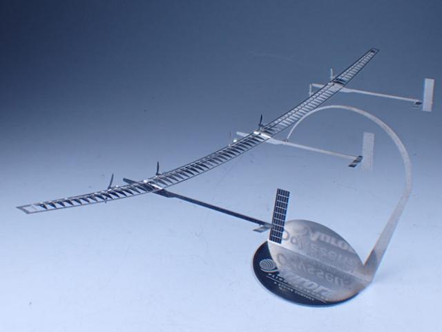 ソーラー飛行機を受注生産