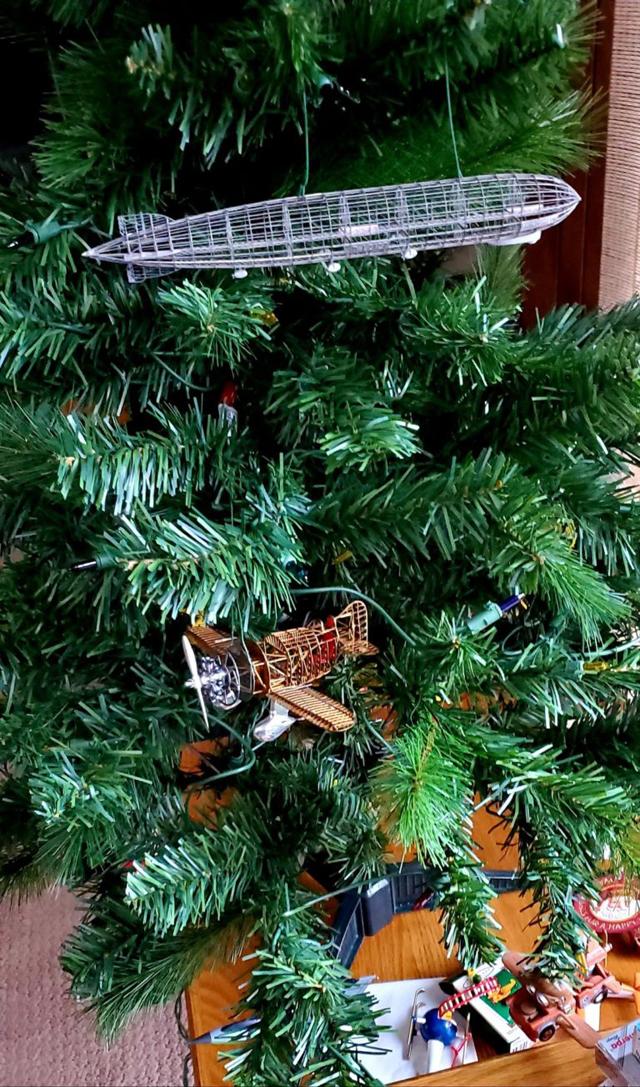 クリスマスツリーに エアロベース!