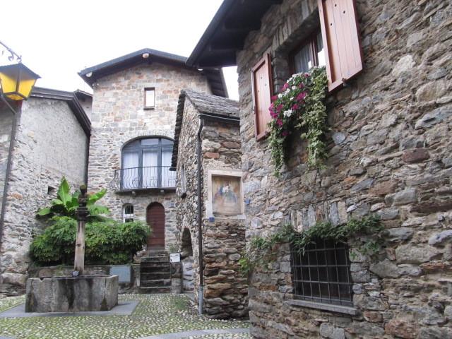 Romantischer Dorfkern von Arcegno