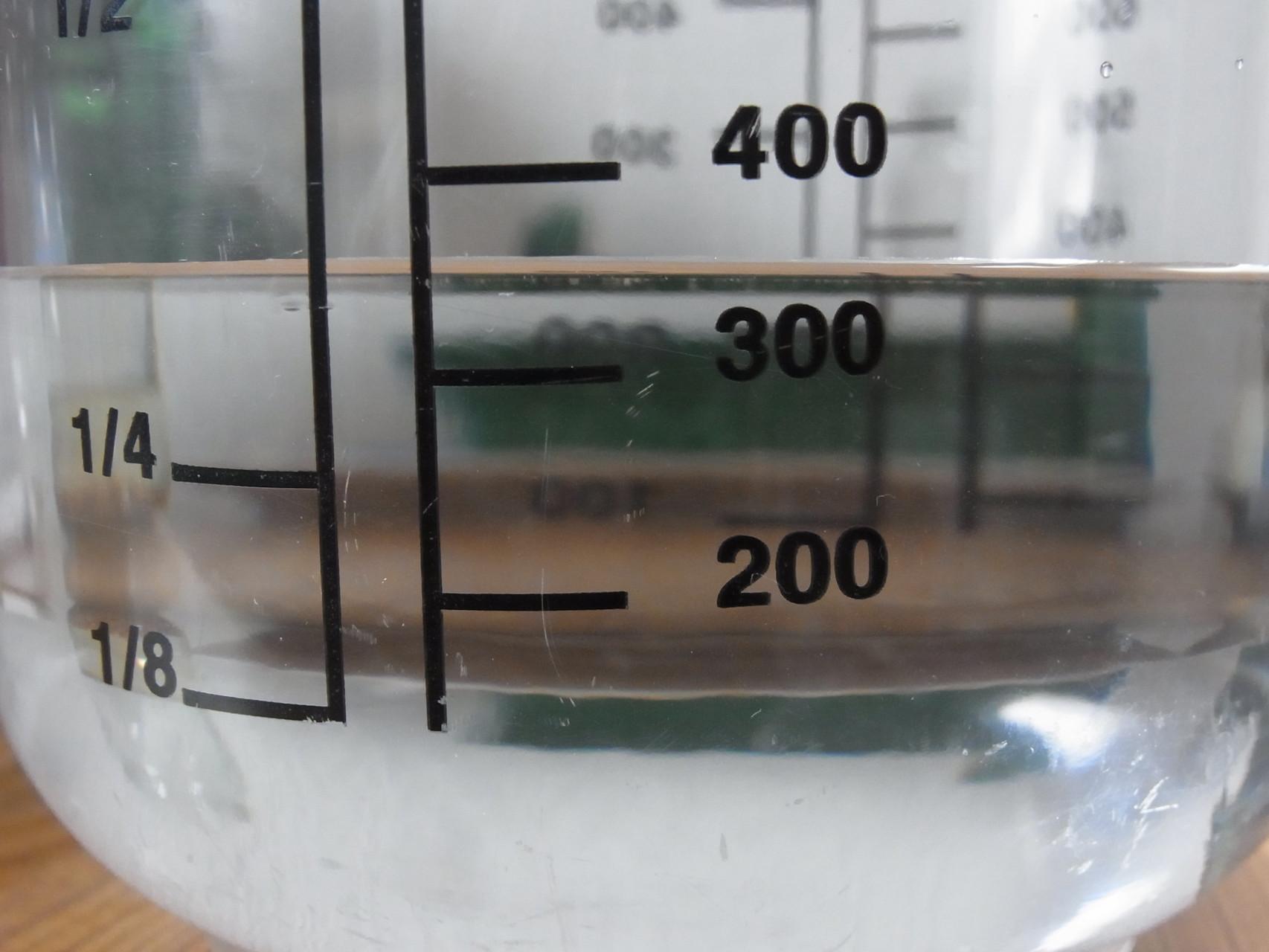 Abgemessene Menge weiches Wasser