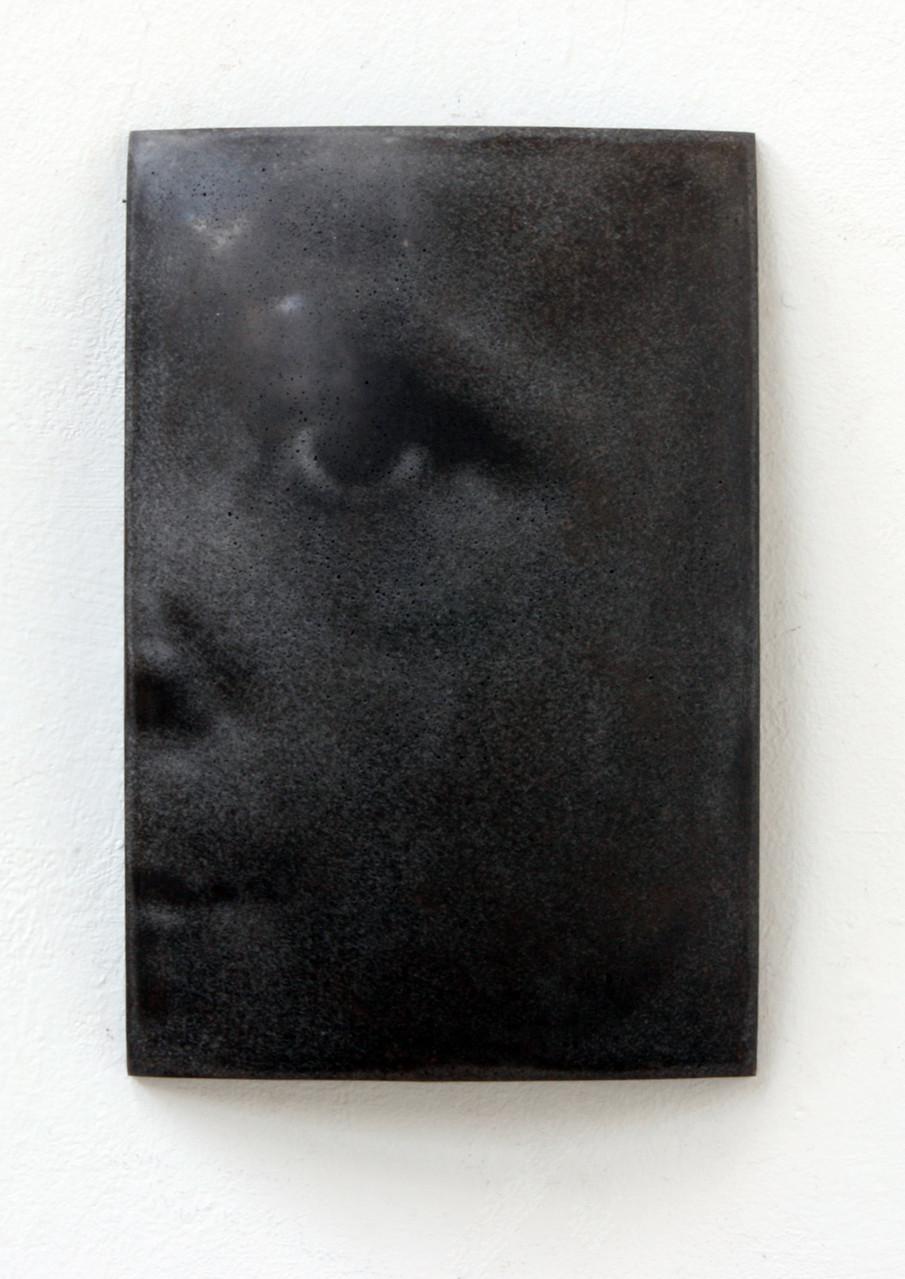 """Emeka"", Beton/Gravur, 36 x 24 x 9, 2008"