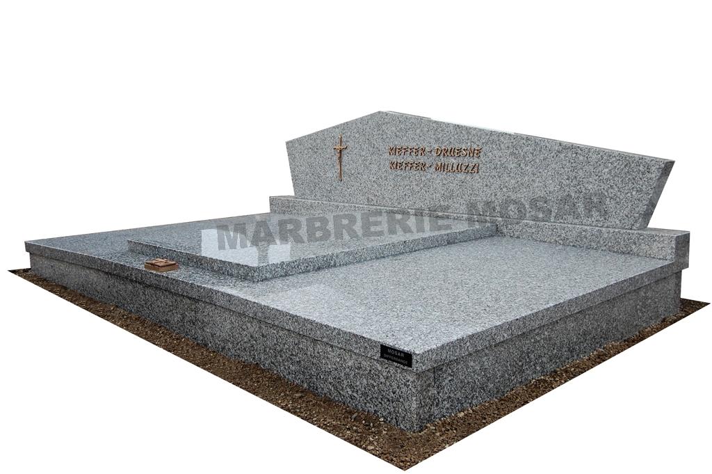 """Monument de 3x2m en granit du Tarn """"Saint Salvy"""""""
