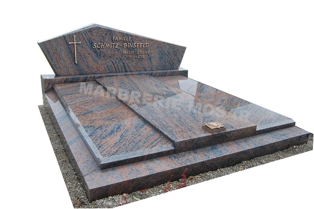 """Monument en granit """"Bararp"""" de haute qualité"""