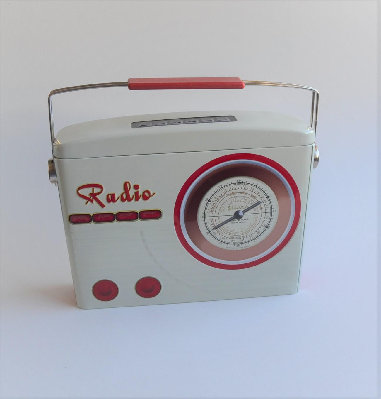 Radio Dose oben zu öffnen, kann z. B. mit Keksen befüllt werden oder als Deko
